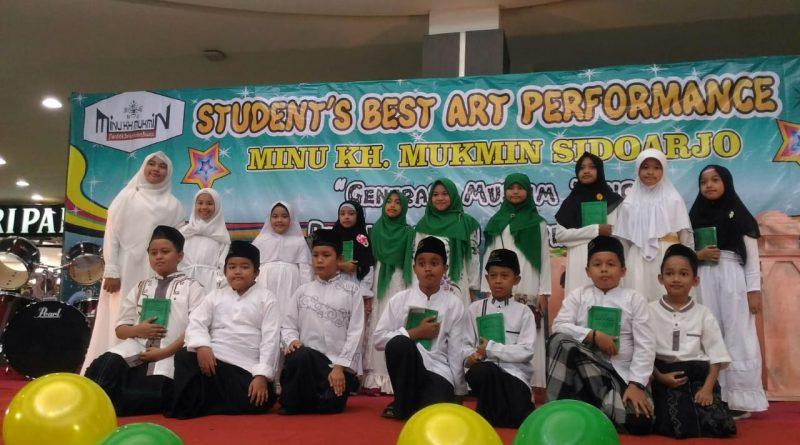 Student's Best Art Performance MINU KH. Mukmin Sidoarjo